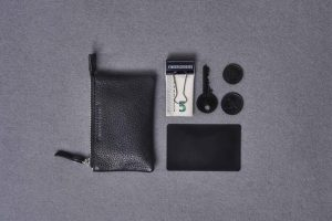 gth_pouch_small2_776x
